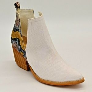 A Rider Girl Womens Jena Snake Ankle Boot 6 New